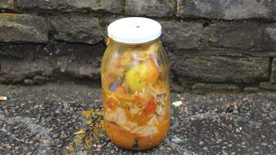 Gross Jar 2012 - Part Three: Swapping Jars and Adding Animals