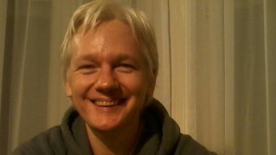 We Talked to the Lady Who Sent a Camera to Julian Assange's Embassy Hideout