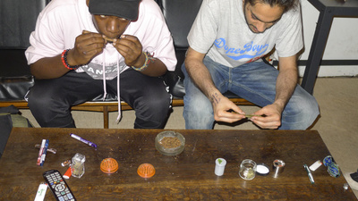 Rolling Blunts with the OG Dutch Master and T. Kid