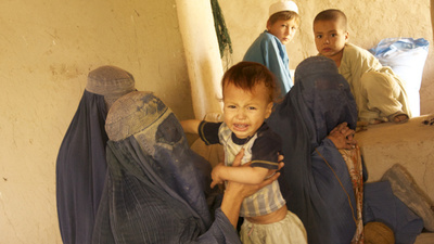 Afghanistan's Carpet Loomers Are Feeding Their Kids Hashish