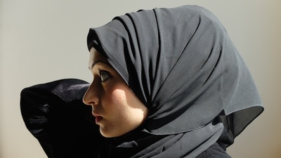 Why Is the Khaleeji Hijab So Controversial?