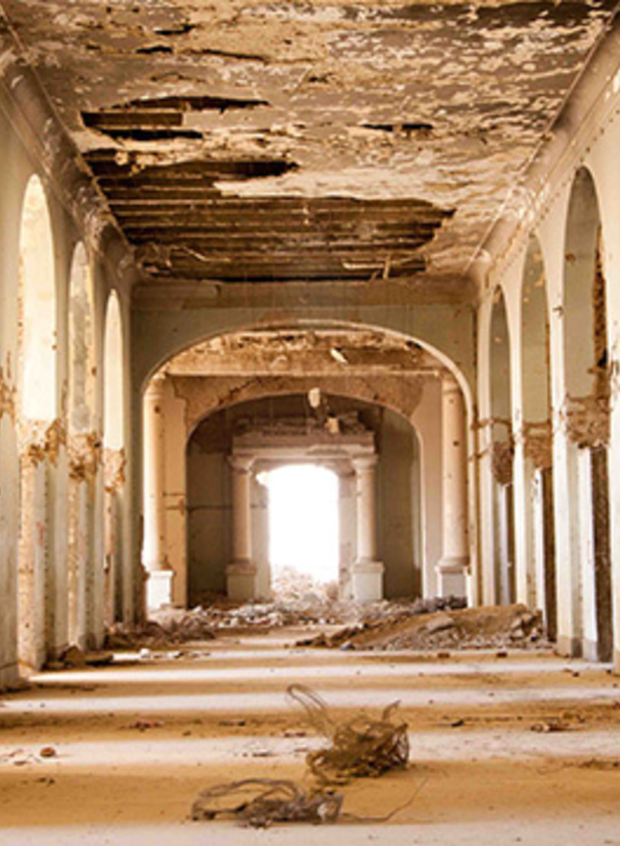 Inside the Crumbling Walls of Kabul's Abandoned Palace
