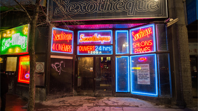 I Took My Tinder Date to Montreal's Finest Peep Show