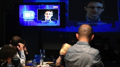 VICE News Capsule: Edward Snowden Asks Vladimir Putin About Russia's Spy Programme