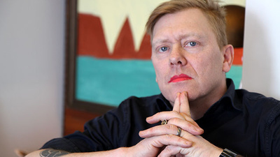 Iceland's Anarchist Comedian Mayor Is Moving to Texas