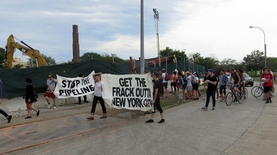 Protesters Shut Down Construction of a Fracked Gas Pipeline in New York City