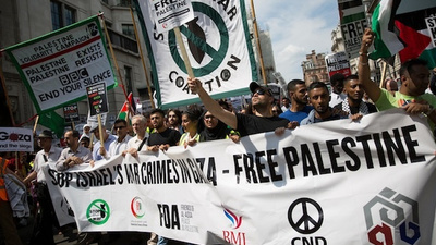 Hanging Out with Pro-Palestine Demonstrators in London on Saturday