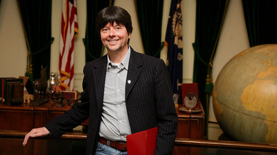 Ken Burns Weighs In on Ferguson and Facebook Activism