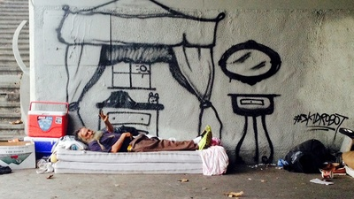 This LA Graffiti Artist Incorporates Homeless People into His Pieces