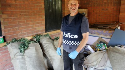 Grow-House Raids Are Surprisingly Chill