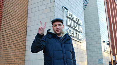 This Former Far-Right Gang Member Is Touring Britain and Apologizing to Muslims