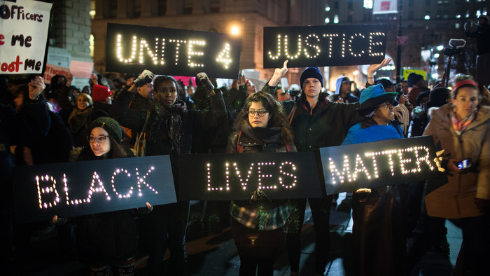 https://assets2.vice.com/images/articles/crops/2014/12/05/eric-garner-protests-raged-on-thursday-in-new-york-city-1205-1417794226-crop_mobile.jpg