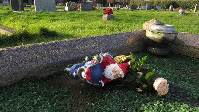 Funeral Directors Share Morbid Stories About Death During the Holidays