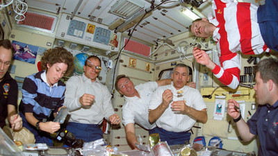 ​Astronauts Are Eating Gourmet Food in Space Now