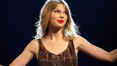 Taylor Swift's Twitter and Instagram Accounts Got Hacked