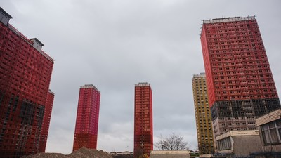 Living in the Shadows of Glasgow's High-Rise Ghettos Before They Get Blown Up