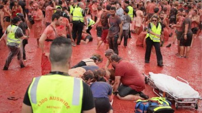 Melbourne Tried to Have a Tomato Festival and It Was a Violent Mess