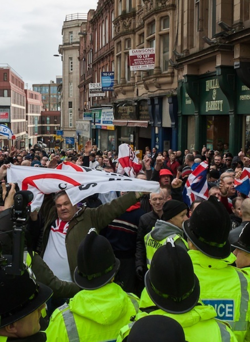 English Racists Tried to Start a 'Pegida' Movement in Newcastle This Weekend