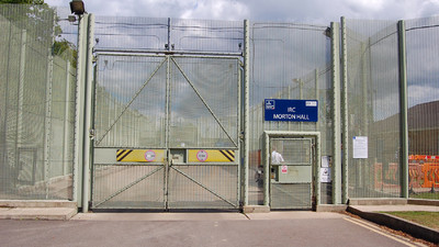 British and American Immigrant Detainees Are Going on Hunger Strikes for the Same Rights