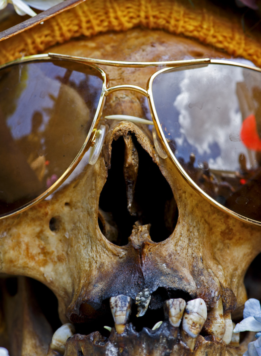Photographs of the Weird and Beautiful Ways the Dead Are Memorialized Around the World