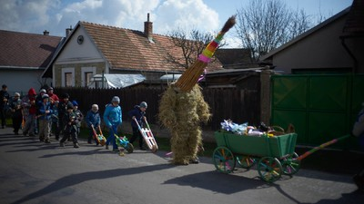 A Man Covered in Hay Tours Czech Villages Every Easter and Nobody Knows Why