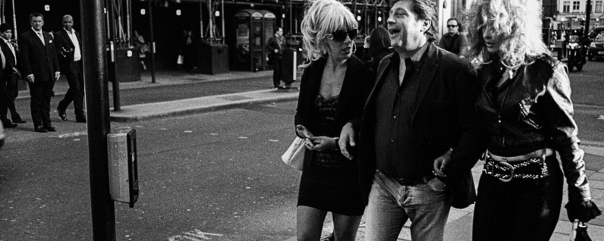 Fred Bonatto Takes Beautiful Photos on the Streets of London