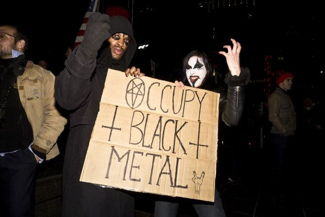 "Taji Ameen, <a href=""http://www.vice.com/en_uk/read/occupy-broadway-photos"" target=""blank"">Times Square Got Occupied</a>"