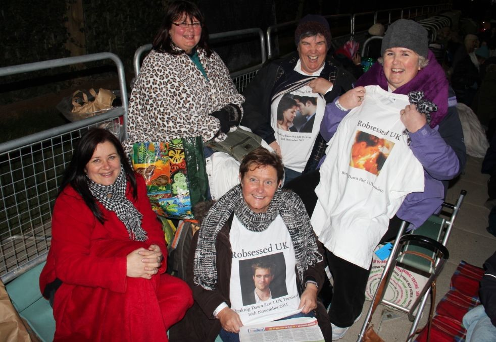 "Jamie Lee Curtis Taete, <a href=""http://www.vice.com/en_uk/read/occupy-twilight-camp-stratford-westfield-interviews-fans"" target=""blank"">Occupy Twilight: RPattz Die Hards Take Stratford </a>"