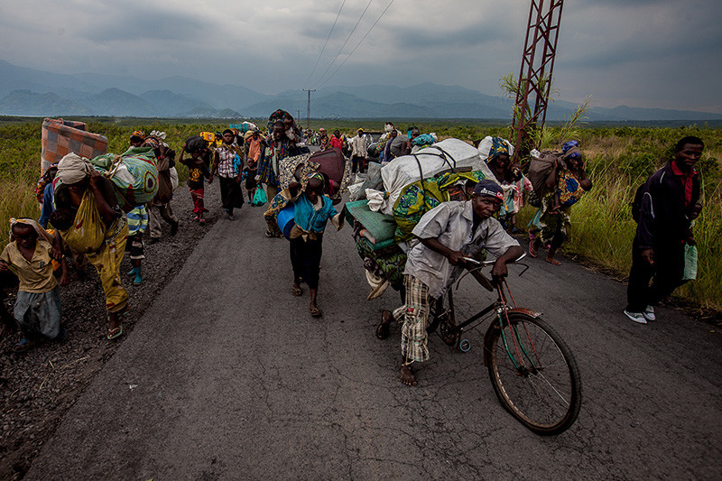 Residents of Sake flee fighting between Mai Mai and M23 on November 22, 2012.